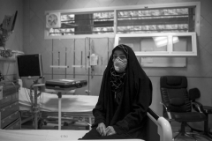 Maryam Sohrabi 40 years old. she is being suffering from lung disease for a long time .glad of end of a long and difficult prospect and for find someone to donate her his lungs to her. she is at the hospital and waiting for the pre operation medical tests and the organ transplant, In a hospital in Tehran.08 Jan 2014.